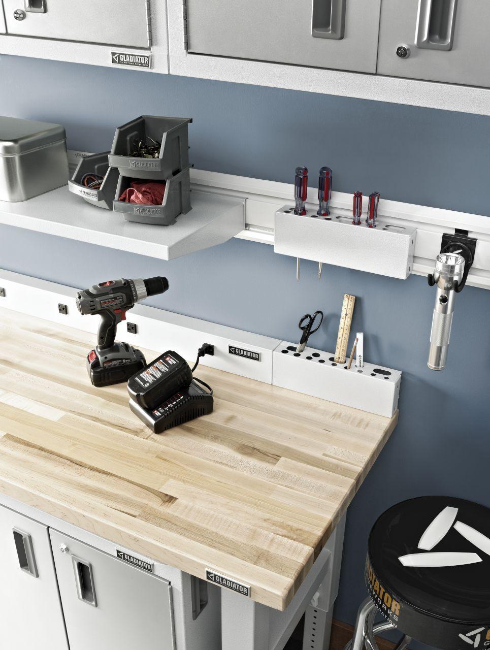 Piani di lavoro fissi tavoli per garage gladiator worx for Piani di progettazione di stoccaggio garage